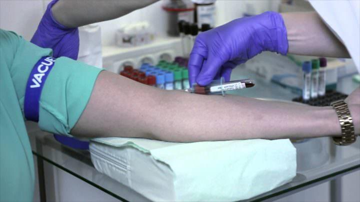 Анализ капли крови из пальца