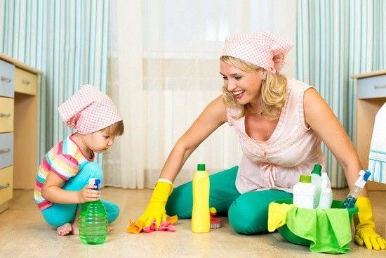 Влажная уборка при аллергическом кашле у ребенка