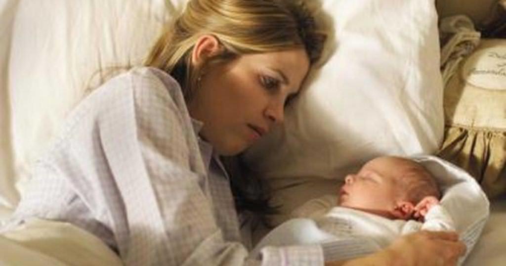Будьте рядом с малышом ночью, чтобы контролировать его состояние.