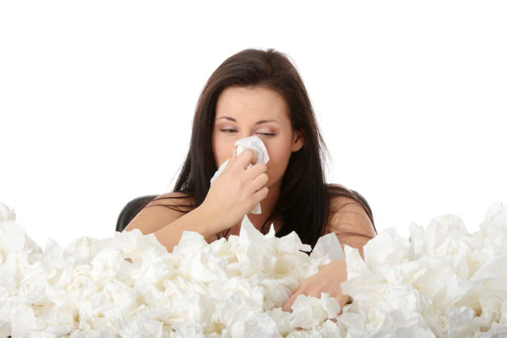 Для уменьшения интенсивности и частоты приступов кашля рекомендуется содержать жилое помещение в чистоте.