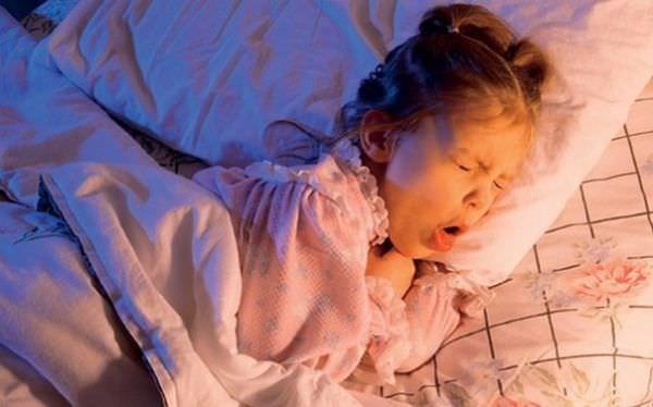Кашель, мешающий спать ребенку