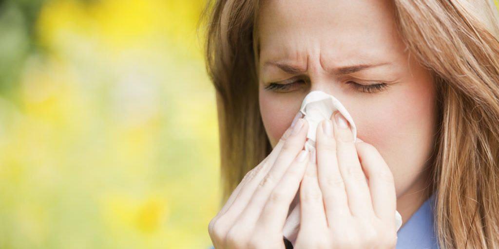 Кашель при аллергии доставляет много неприятных моментов