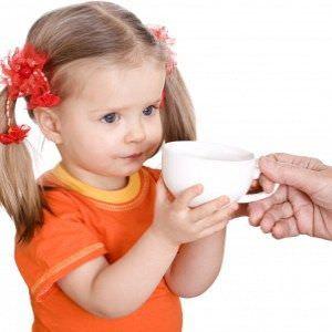 Народная медицина хорошо справляется с кашлем благодаря полезным травяным чаям.