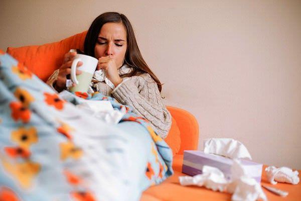 Беременная кашляет