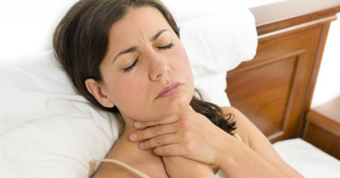 Кашель и щекотание в горле нарушают сон и привычный ритм жизни