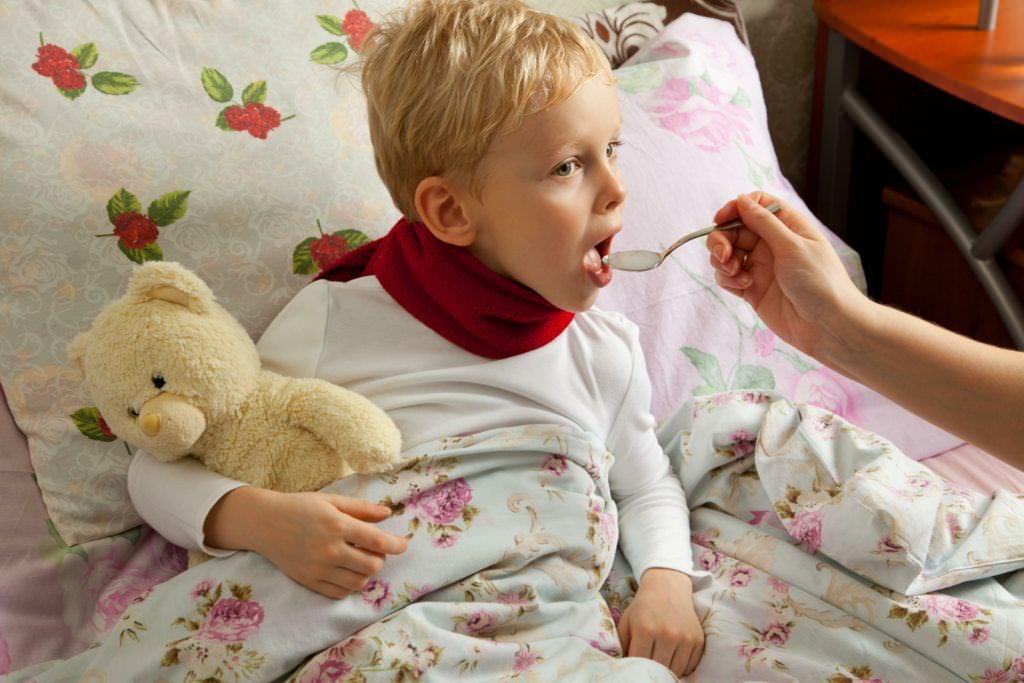 Для лучшего результата перед массажем дайте ребенку отхаркивающий препарат