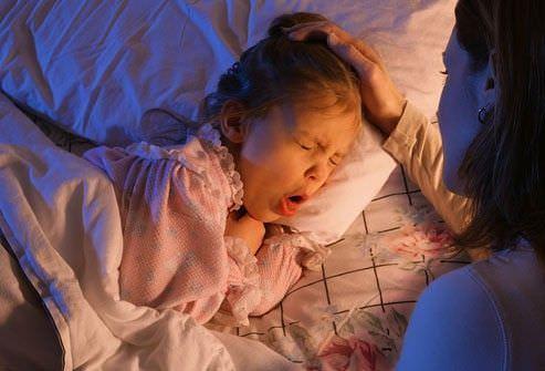 Если ребенок по ночам сильно кашляет, это может быть признаком серьезных заболеваний.