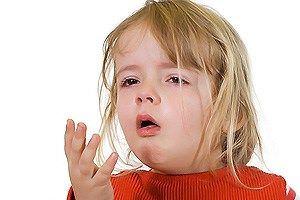 Фото. Девочка кашляет.