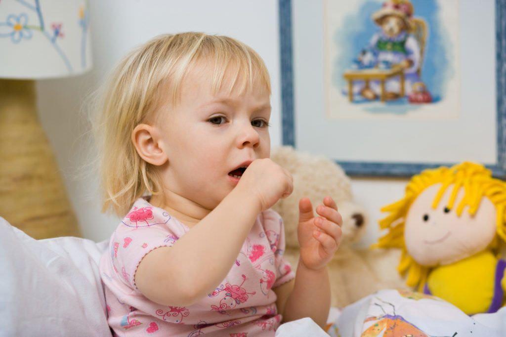 Фото ребенка с затяжным кашлем