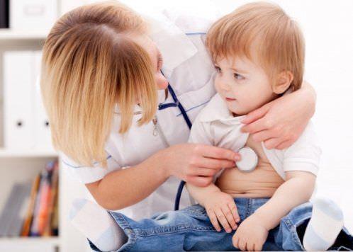 Хрипы у ребенка должны насторожить родителей