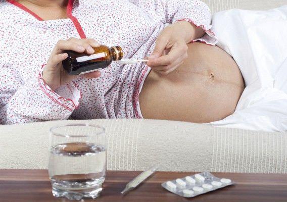 Лечение кашля у беременных аптечными препаратами