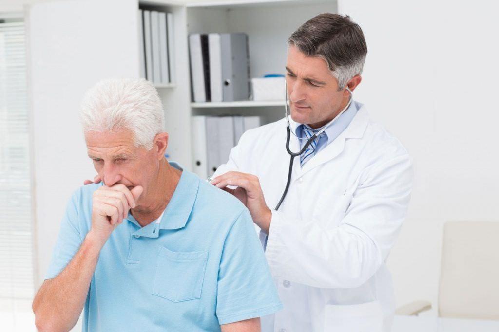 Лечить кашель нужно после консультации с врачом