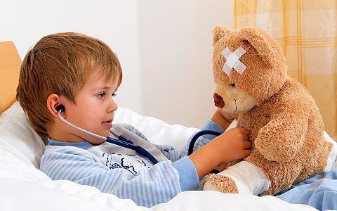 Лечить ребенка лекарственными препаратами можно только после соответствующих предписаний врача.