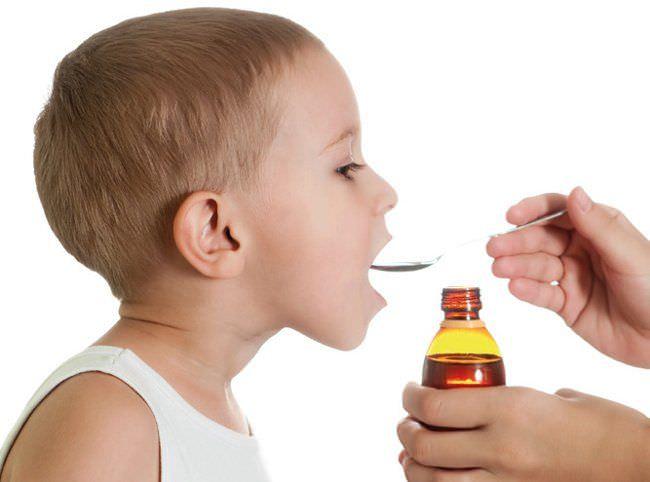 Малыши голосуют за сироп от кашля
