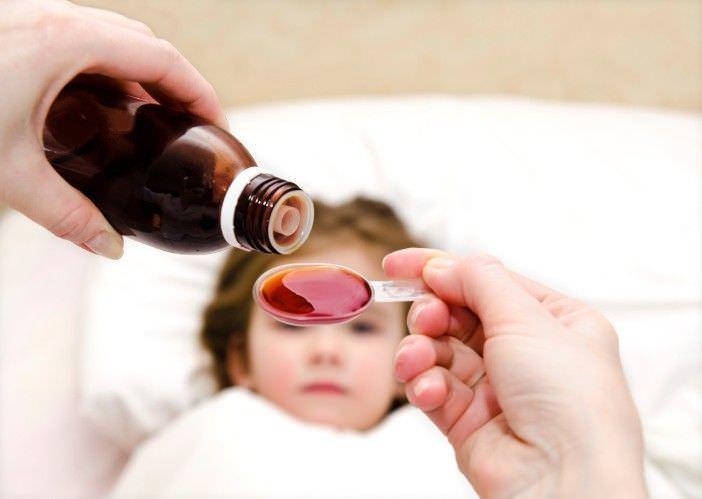 Медикаментозное лечение ребенка, у которого наблюдается кашель