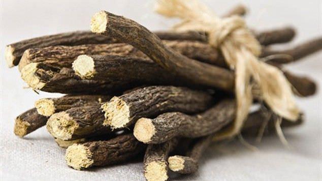 Народные средства при пневмонии, какой кашель вылечит корень солодки