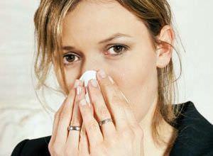 Насморк тоже может провоцировать кашель.