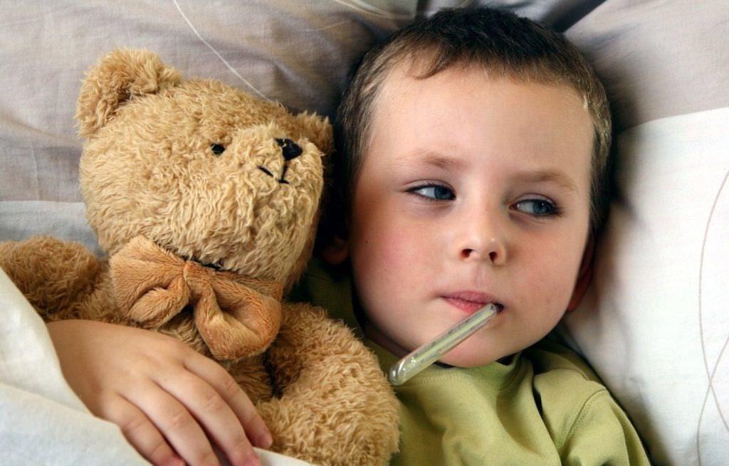 Не начинайте массаж, если у ребенка высокая температура