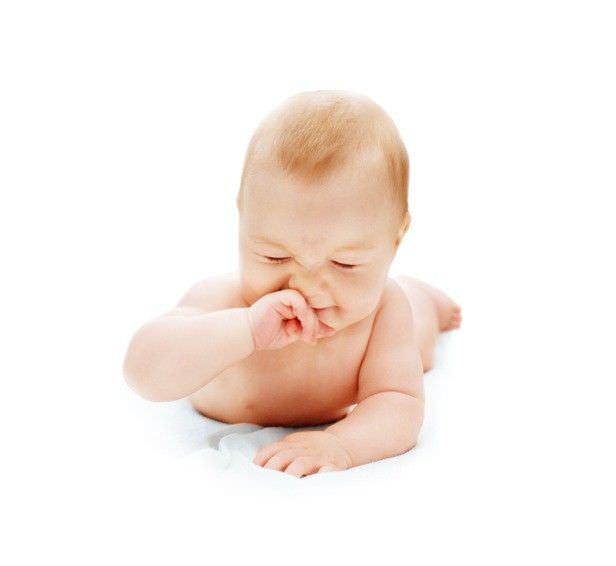 Почему у младенцев бывает насморк