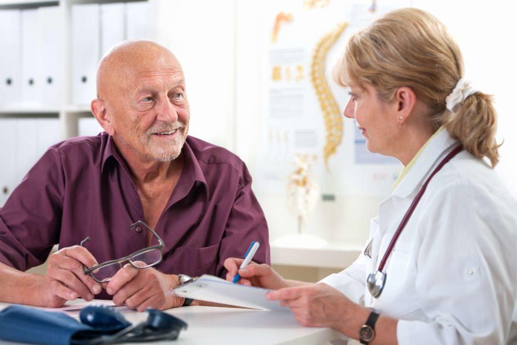 При симптомах сердечной недостаточности обязательно обратитесь к кардиологу.