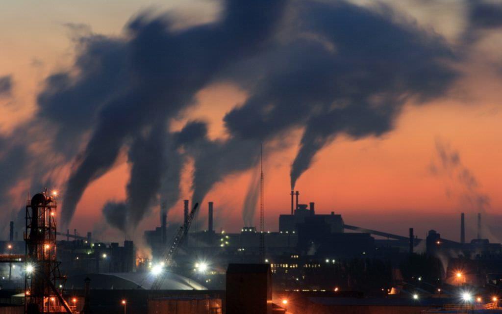Производственный дым вредит здоровью человечества