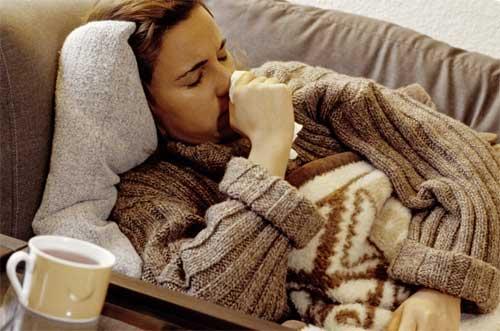 Симптоматика трахеита очень схожа с другими заболеваниями дыхательных путей