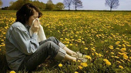 Сухой аллергический кашель могут вызывать даже любимые цветы