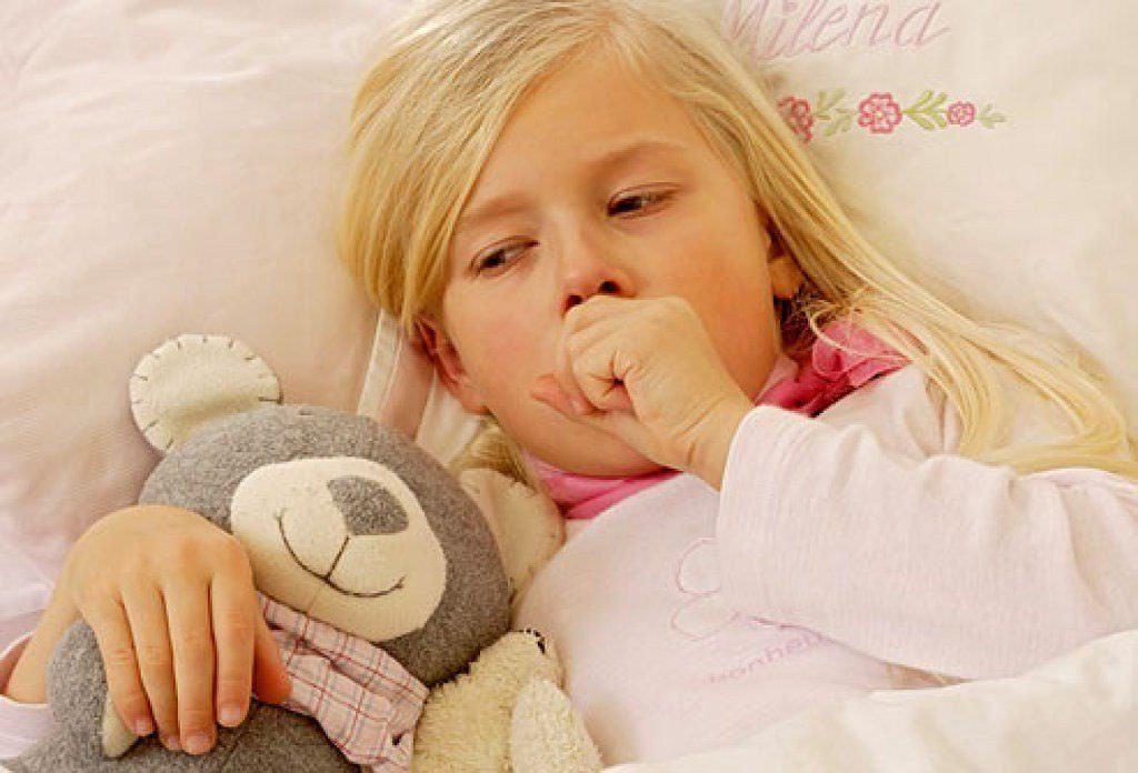 Сухой кашель у ребенка может быть вызван различными причинами