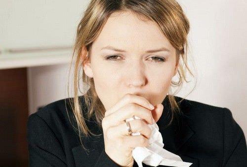 Внезапный приступ сухого кашля