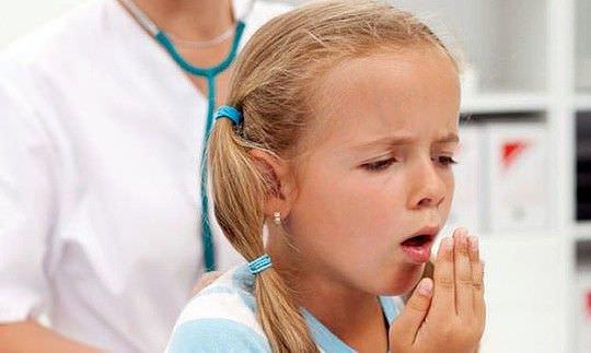 Мокрый кашель у ребенка без температуры говорит, как правило, о развитии заболеваний инфекционного и вирусного характера.
