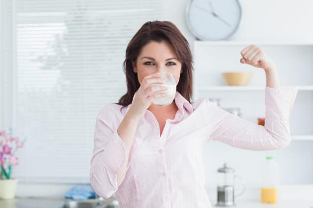 Молоко с медом от кашля не только очень полезно, но и вкусно