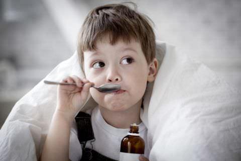 Прежде чем начинать лечение сухого кашля у малыша, необходимо обратить на множество аспектов