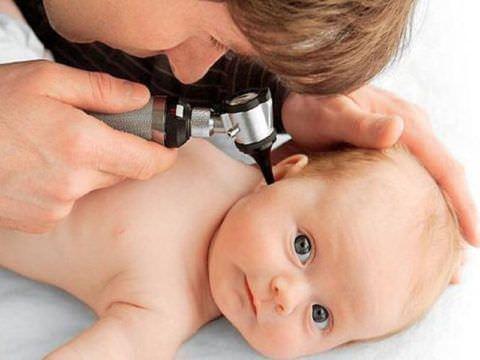 Проблемы с воспалением уха - необходимость обратиться к доктору или вызвать скорую