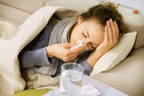 Простудные патологии - не единственная причина боли в грудной клетке во время кашля
