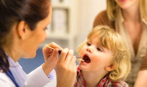 Аденоидит может спровоцировать кашель