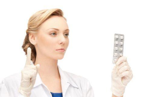Только врач может назначать лечение провоцирующей кашель патологии