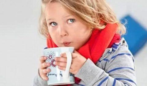 На период лечения следует обеспечить ребенку обильное питье