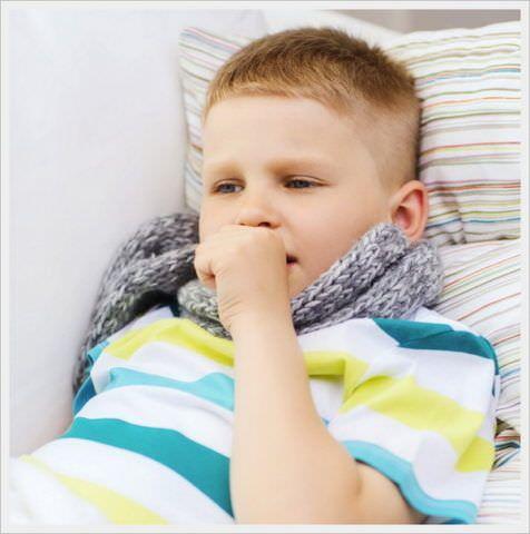 Больным детям обеспечьте постельный режим
