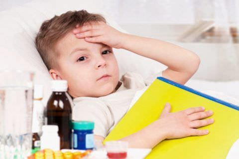 Детей очень изматывают кашлевые приступы, поэтому нужно учитывать все рекомендации для скорейшего выздоровления