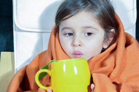 В период болезни обеспечьте ребенку полноценное питье