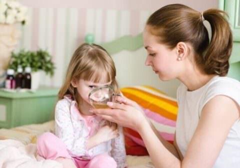 Обеспечьте ребенку обильное питье