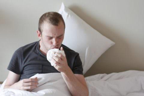 Характер кашлевых приступов определяется стадией заболевания
