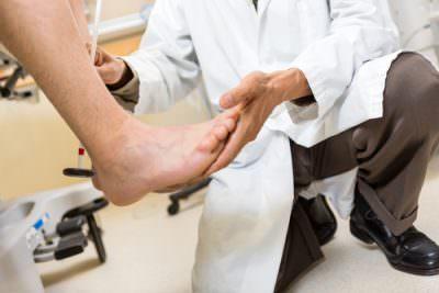 Онемение руки и ноги с правой стороны